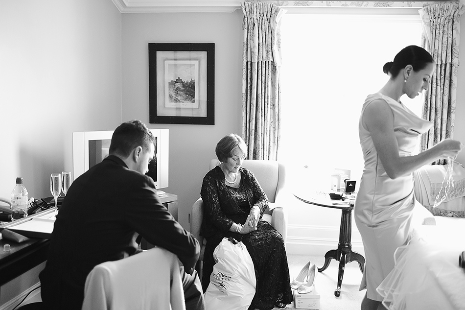 balck and white wedding photography brisbane