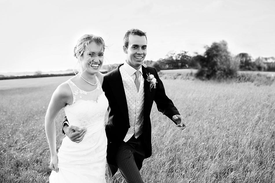 brisbane wedding photographer black and white wedding portraits in a field wedding branell wedding bride and groom portraits queensland field wedding farm wedding