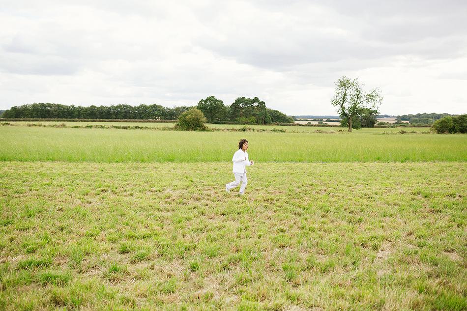field wedding photographer