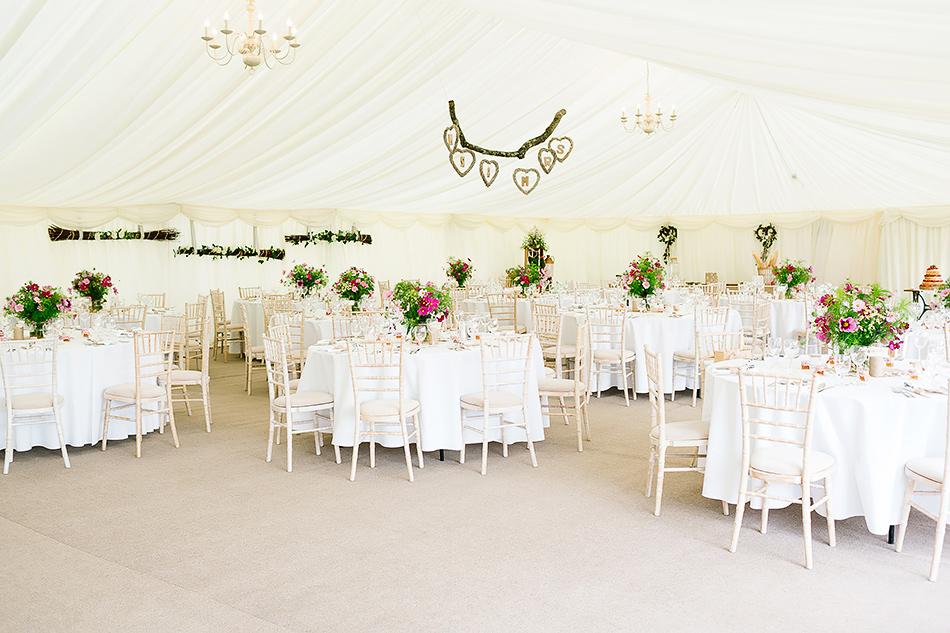brisbane wedding photographer inside wedding day tent