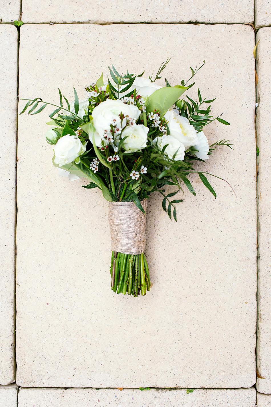 organic wedding flowers green natural soft flowers and bouquet byron bay wedding