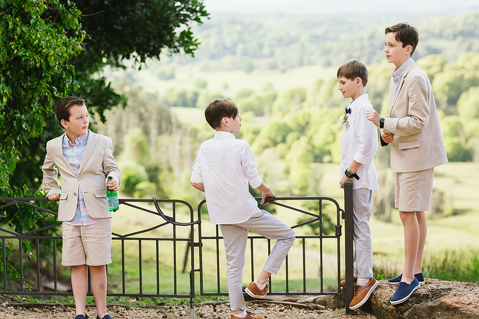 cool wedding photographer at a vintage wedding bangalow earth house