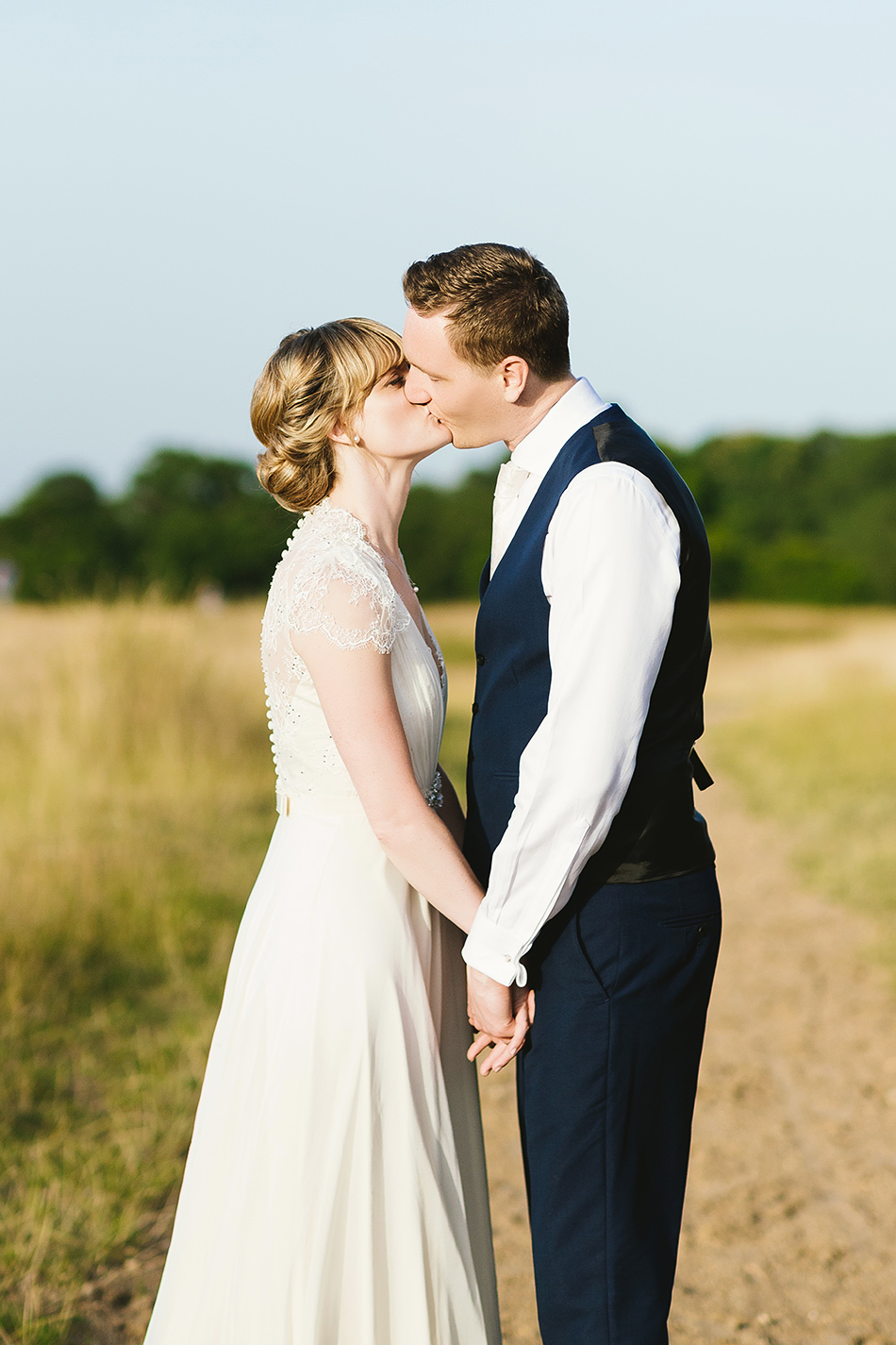 bride and groom wedding photographer portraits at a barn wedding
