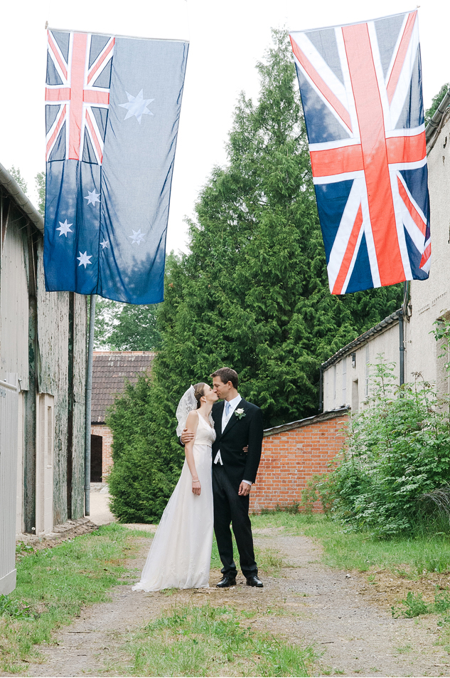 wedding photography in wiltshire on a farm