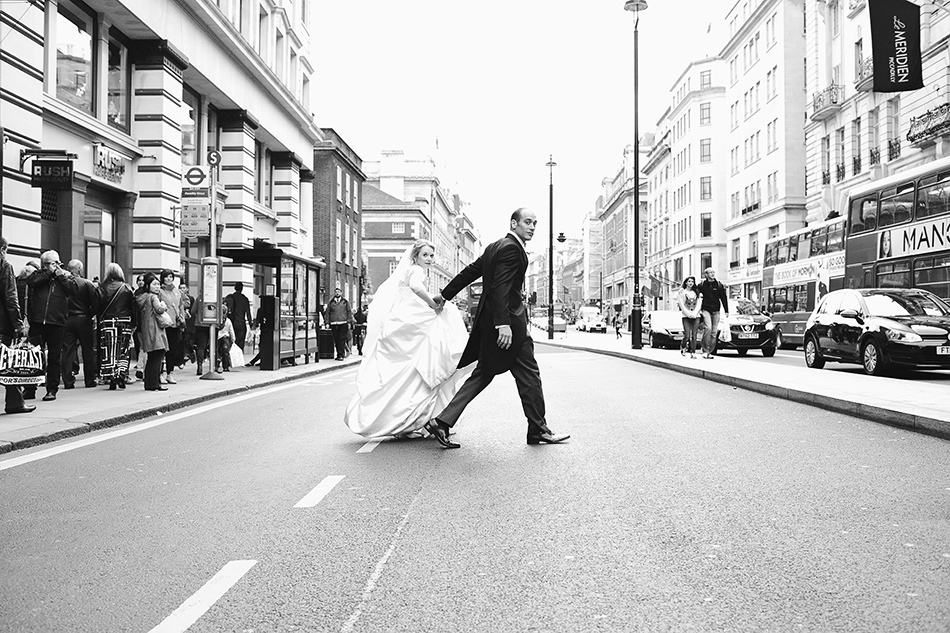 bride and groom street wedding photographer brisbane and london