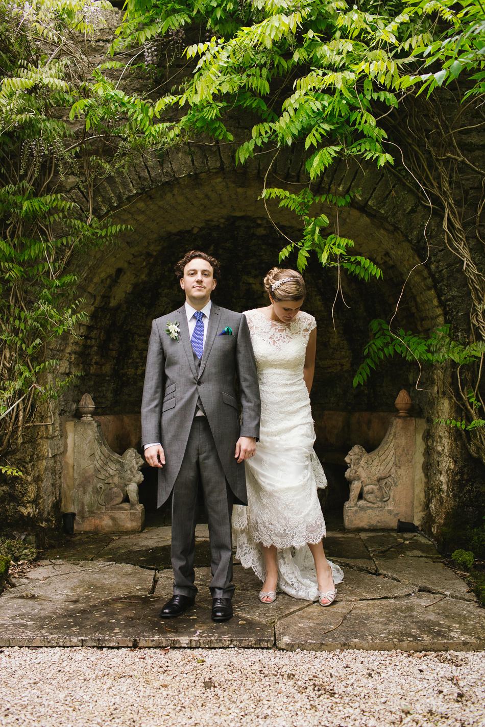 rustic brisbane wedding photographer creative bride and groom wedding photographer bridal portrait brisbane