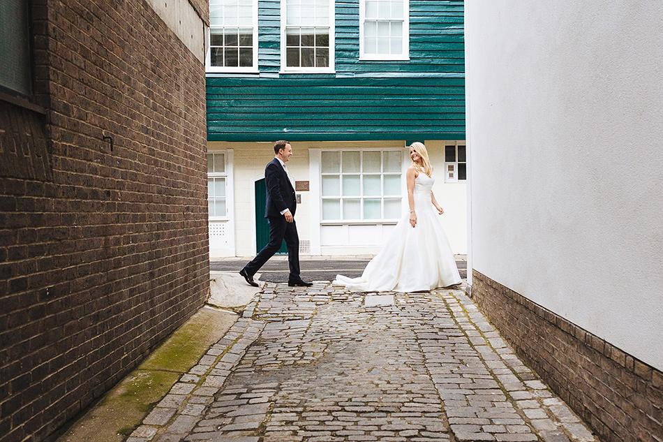 field marquee wedding photographer