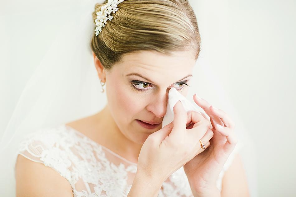 bride getting ready modern wedding photographer brisbane