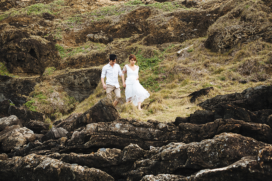 wedding photography at the byron bay lighthouse