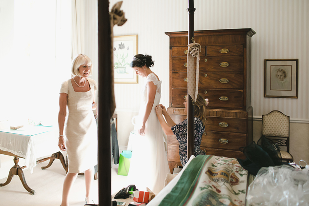 getting ready with bride photography