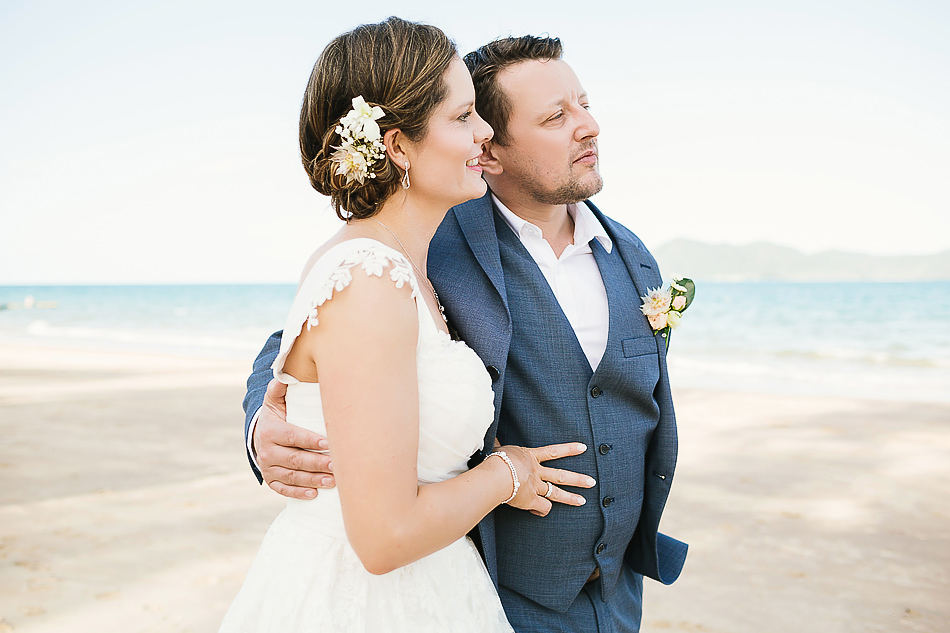 creative wedding photographer brisbane the elandra mission beach wedding
