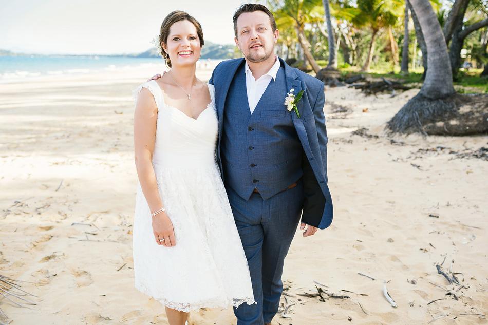 beach wedding photography the elandra mission beach cool wedding