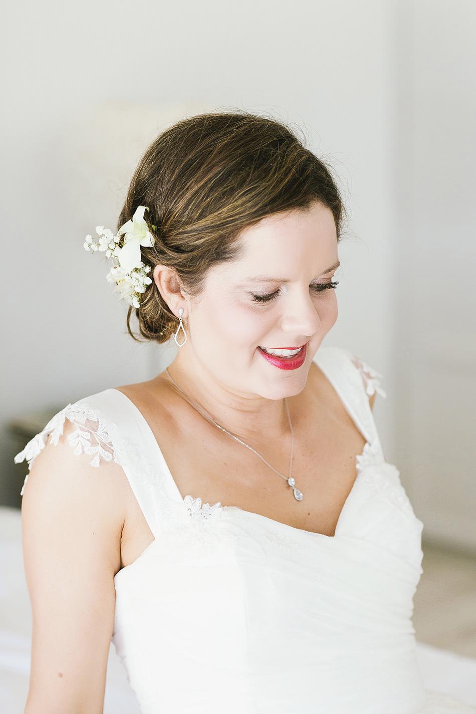 bride getting ready at the elandra mission beach wedding