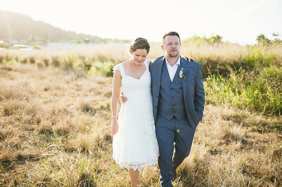 field wedding photographer at the elandra mission beach cool wedding photography brisbane queensland