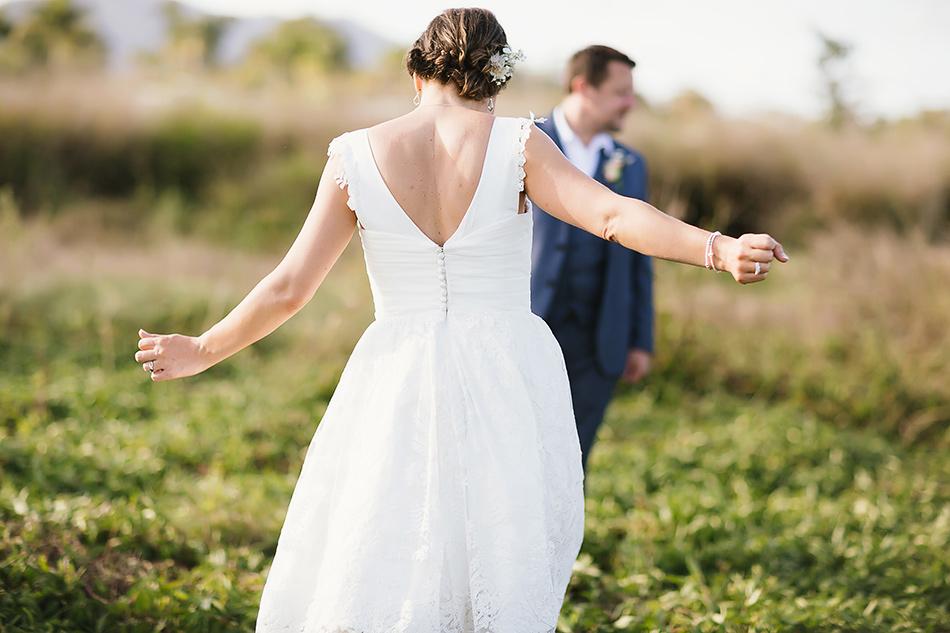 creative wedding photography field outdoor rustic wedding