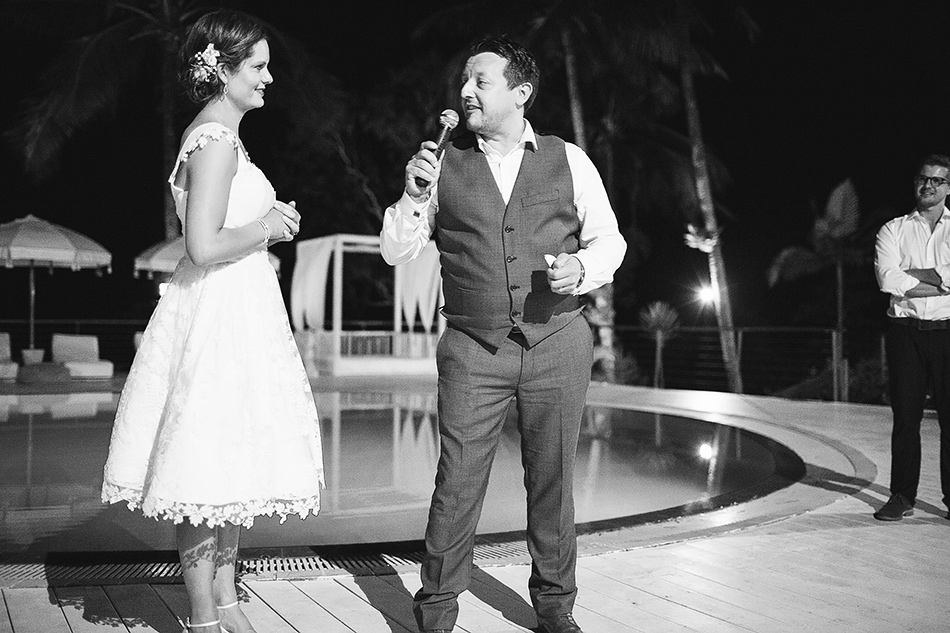 cool wedding photography moments black and white