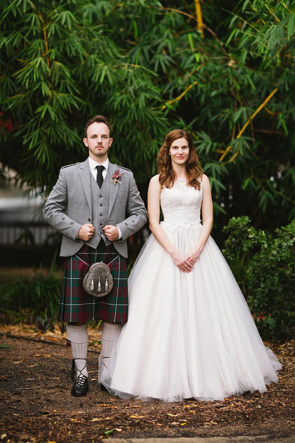 Cool Wedding Photographer Brisbane Outdooor Botanical Gardens