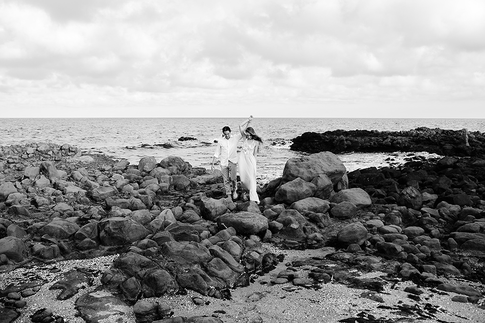 cool wedding photographer brisbane love shoot at the beach wedding boho bride organic wedding dress