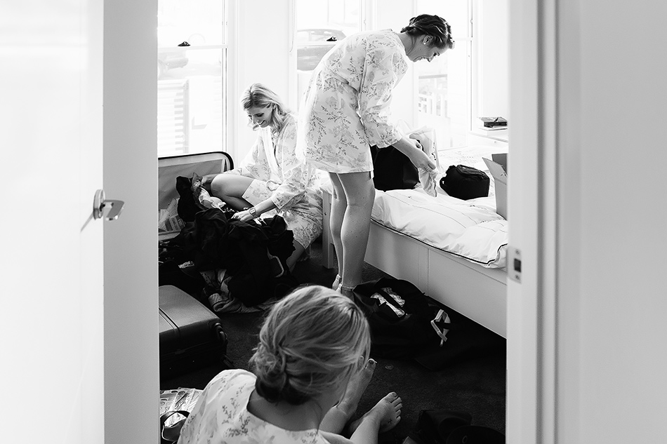 natural light vintage wedding photographer cool wedding photos bride getting ready brisbanee