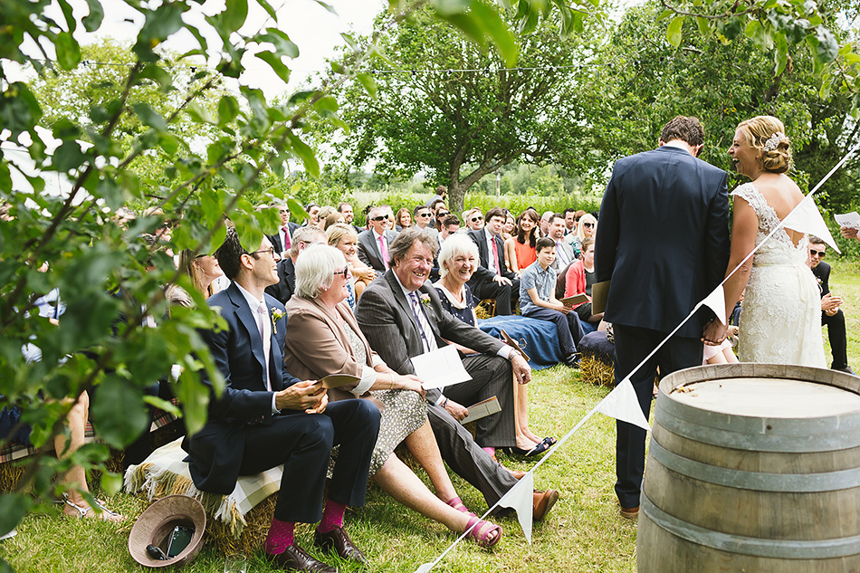 garden wedding cermeony photography