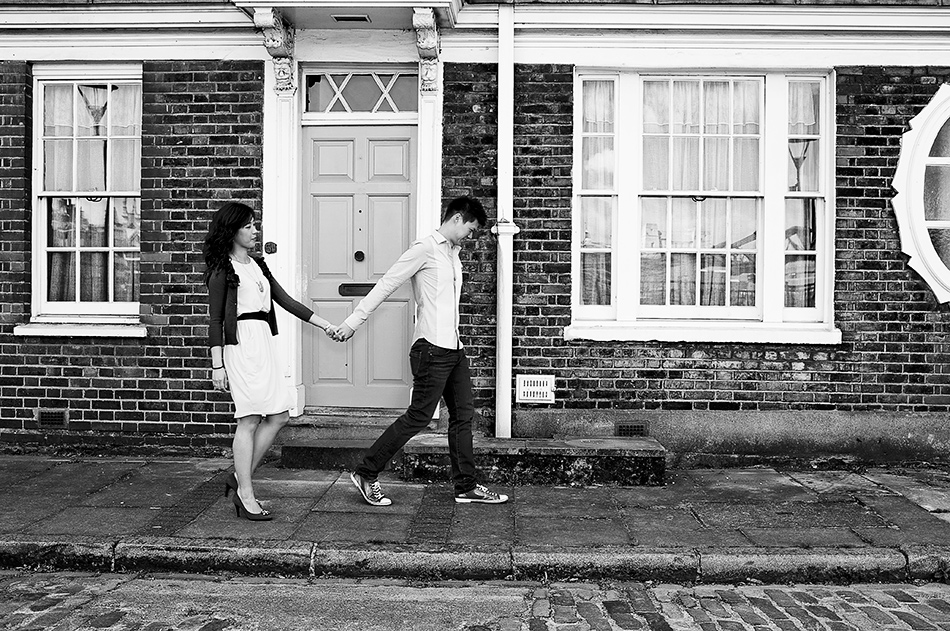 wedding photography creative primrose hill engagement shoot in a park parliment hill london 0008