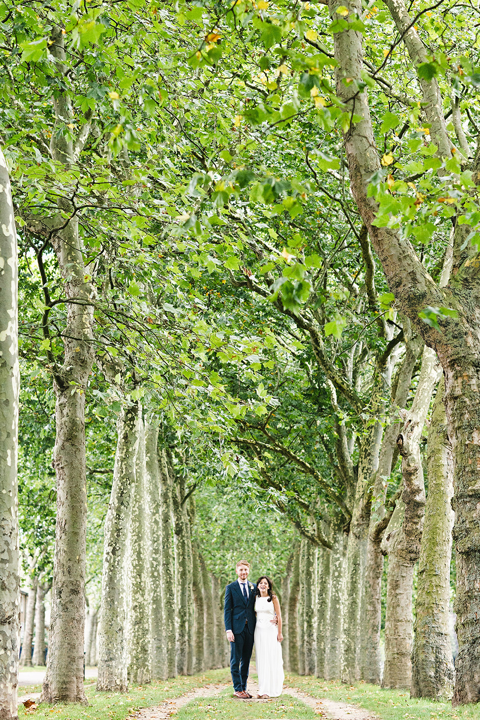 creative wedding photographer cool city garden field wedding london brisbane 002