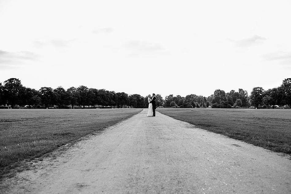 creative reportage wedding photography hampton court house london 0017