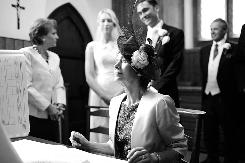creative reportage wedding photography hampton court house london 0042