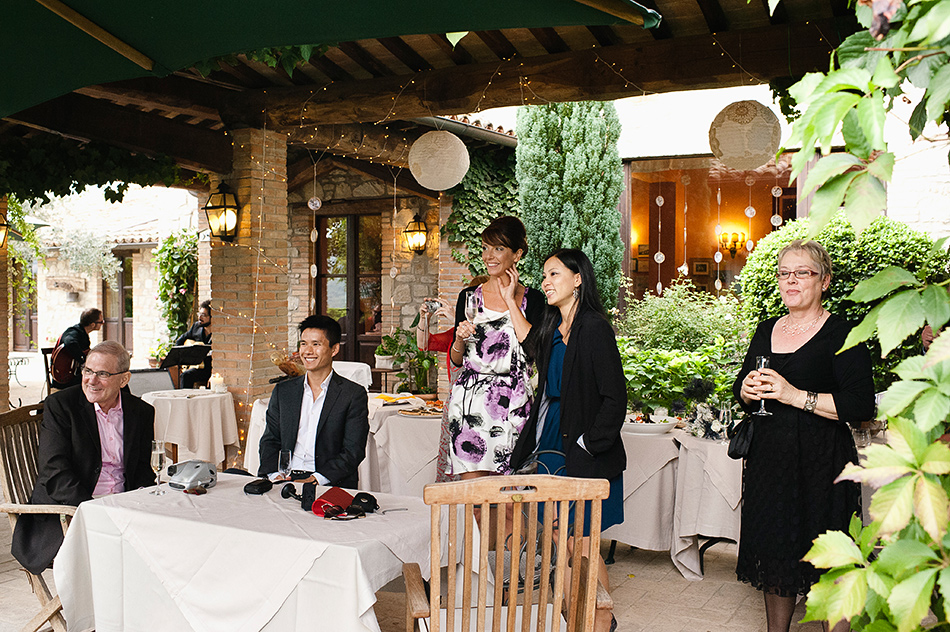 reportage creative photography wedding venue todi umbria italy wedding 0084