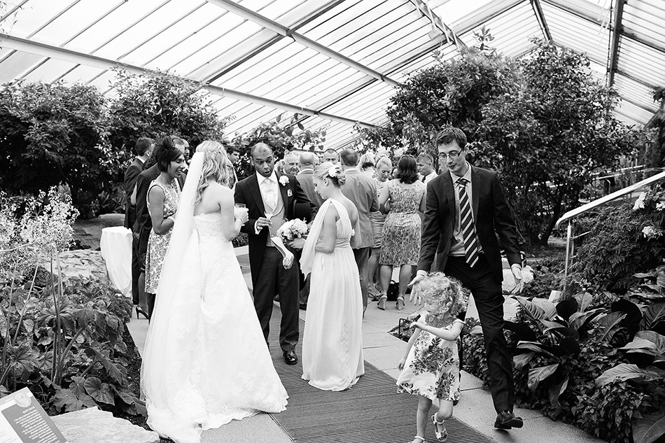 wedding photography creative kew gardens pastel natural wedding 0051